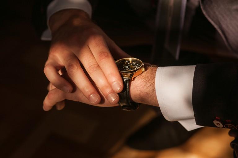【宇宙から深海まで】過酷な環境でも「耐える時計」を実現した老舗メーカーの実力