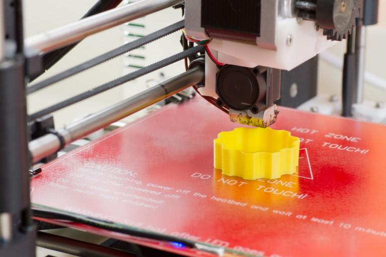 塗装?着色?それともカラー印刷?3Dプリンターで作られる造形物の着色法