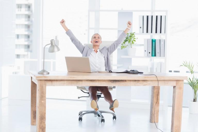 オフィスに欲しい椅子「アーロンチェア」。腰痛に悩むエンジニアに支持される理由とは