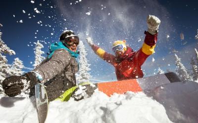 スノーシーズン本番!冬のレジャーを熱くするウェアラブルトランシーバー【BONX】をご紹介。