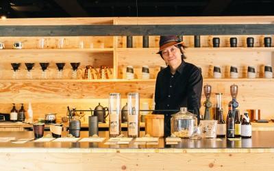 """「くずしは個性」。artless craft tea & coffeeが持つ、""""茶室""""を昇華させた空間美に迫る"""